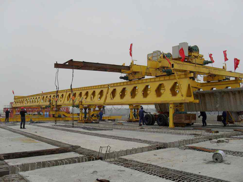 highway bridge construction crane