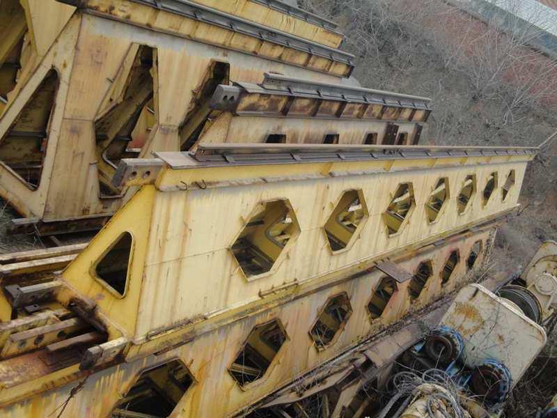 launching girder main girder