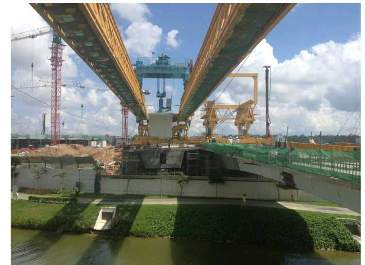 segmental assembly launching girder