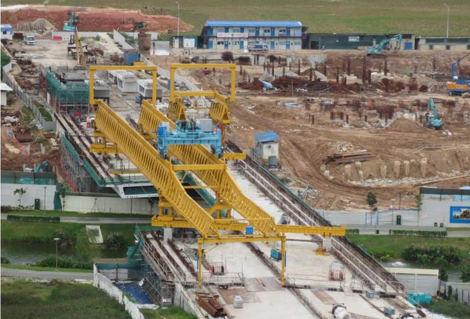 segmental assembly launching crane