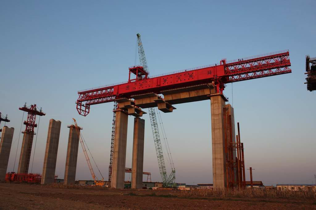 HZP1600 overhead launching gantry